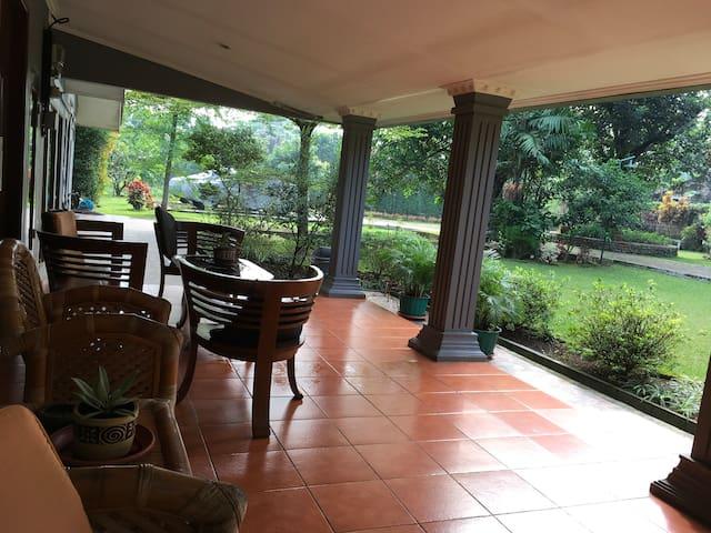 Beautiful Villa Dewi in Kemang, Bogor