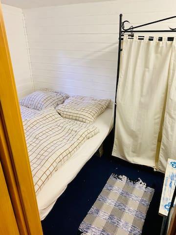 Bedroom (bed 160x200)