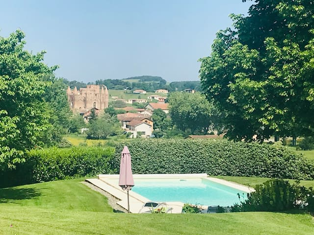 Beautiful gite with stunning views & pool