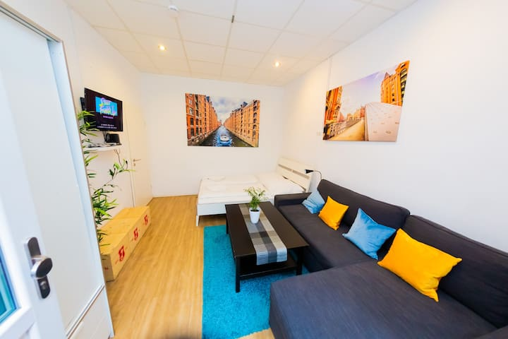 **CITY APARTMENT** St. Pauli - Harbour  (1-8 Pers)