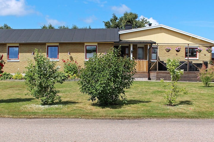 6 person holiday home in MELLBYSTRAND