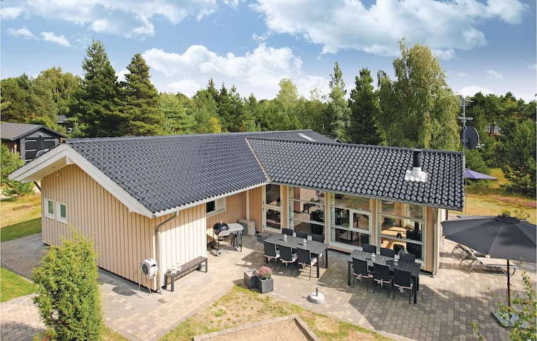 Holiday cottage with 4 bedrooms on 134m² in Rørvig