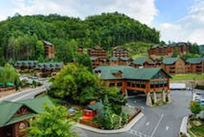 New Luxury Vacation Villa - Gatlinburg - Villa
