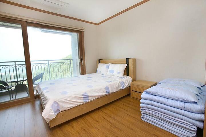 #3. 지리산 산청 동의보감테마파크에 있는 최고급 호텔 (침대형)