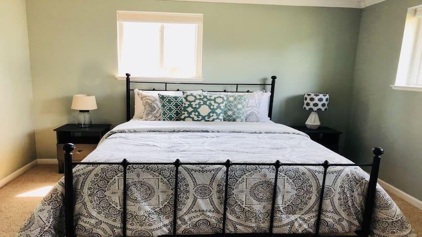 Main Bed #1 - queen