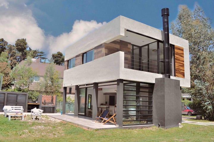 Casa Moderna en pleno Bosque Peralta Ramos