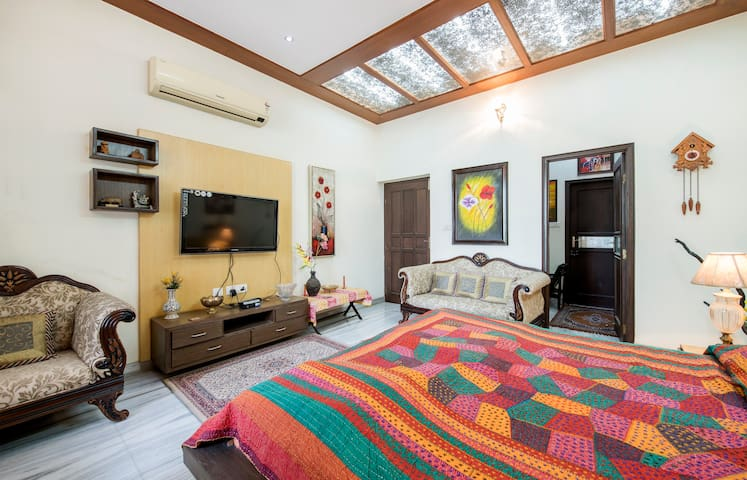 A family home away from home in Vaishali Nagar