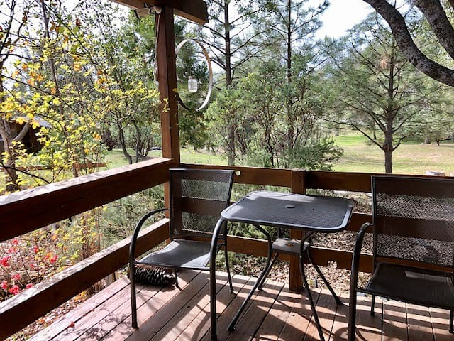 Oak Cabin Suite with extended stay discounts & BBQ