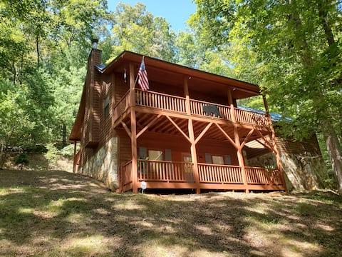 Mountain Creek Retreat - 5 min to Historic Murphy