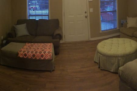 Close to campus game day apartment - Starkville