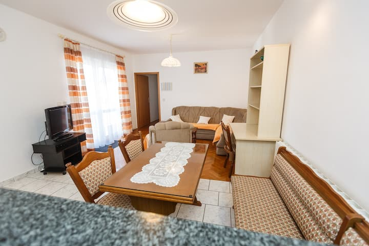Apartment 101 - Gasthaus VARNICA
