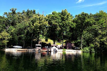 Spacious Lake House with Beautiful Views