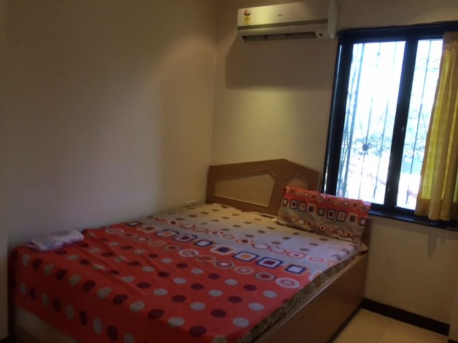 Private Cozy Room For Females Couples In Bandra Apartments For Rent In Mumbai Maharashtra