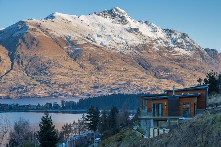 Top View - Stunning Lake & Mountain Views