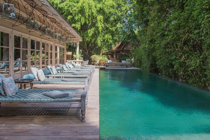 Vintage Master suite 1 BR villa next to the beach - Kuta Selatan - Vila