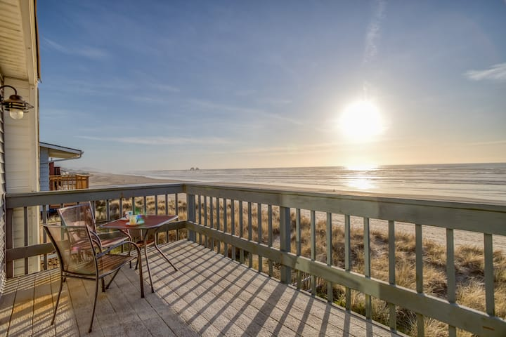 Oceanfront Condo Gives You Access to the Sea and Rockaway Beach