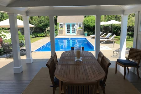 Secluded Oasis Minutes from Newport & Beaches