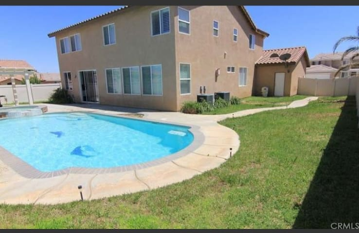 Celeb new pool home 2 Bedrooms for AIRBNB