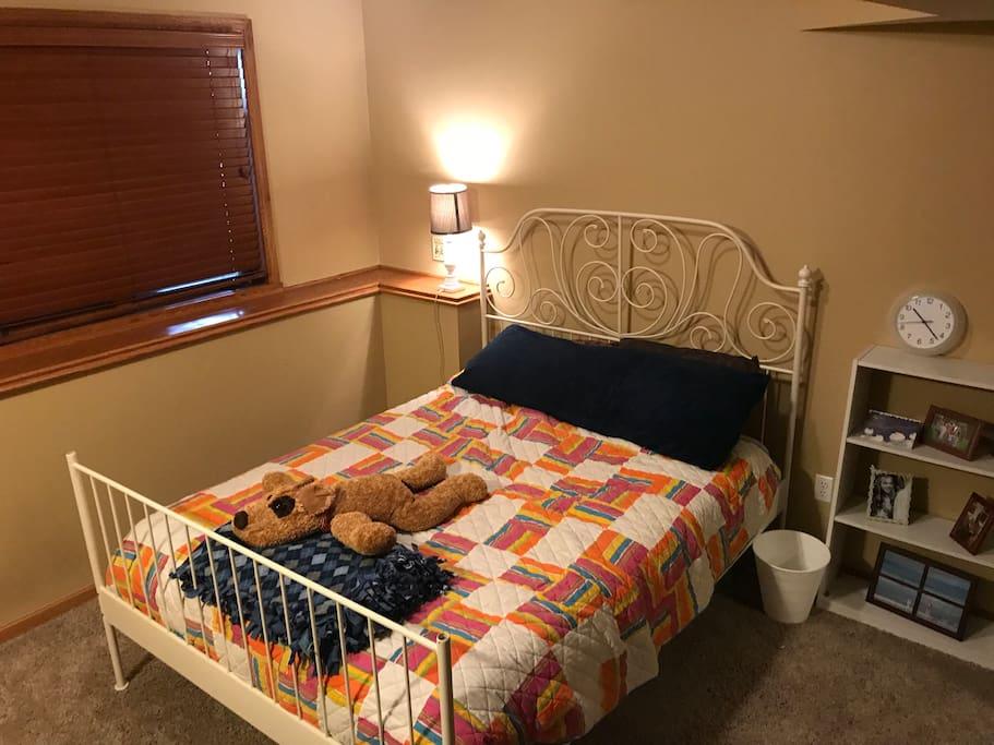 Private queen bedroom