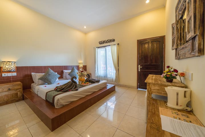 Yarama Cottages - Beautiful Deluxe Room in Ubud