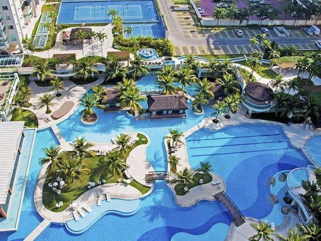 Excelente apartamento dentro de Resort na Barra!