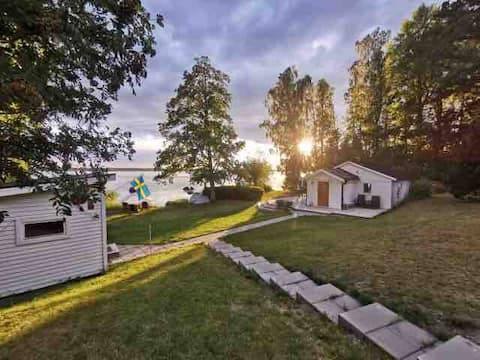 *Unique location, house on lake Salen, boat incl!*