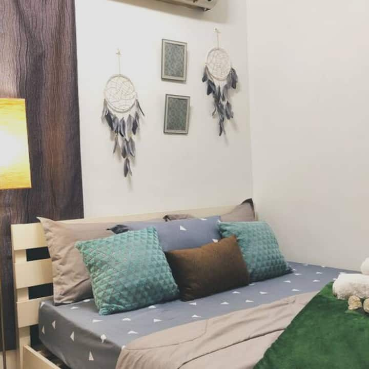 Bohemian minimalist room near Publika / Matrade