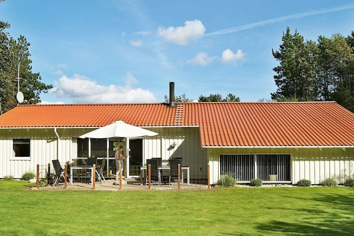 Tranquil Holiday Home in Oksbøl With Swimming Pool