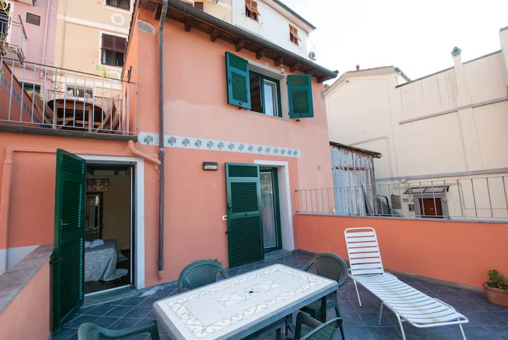 Apt Timone with terraces great seaview in Manarola