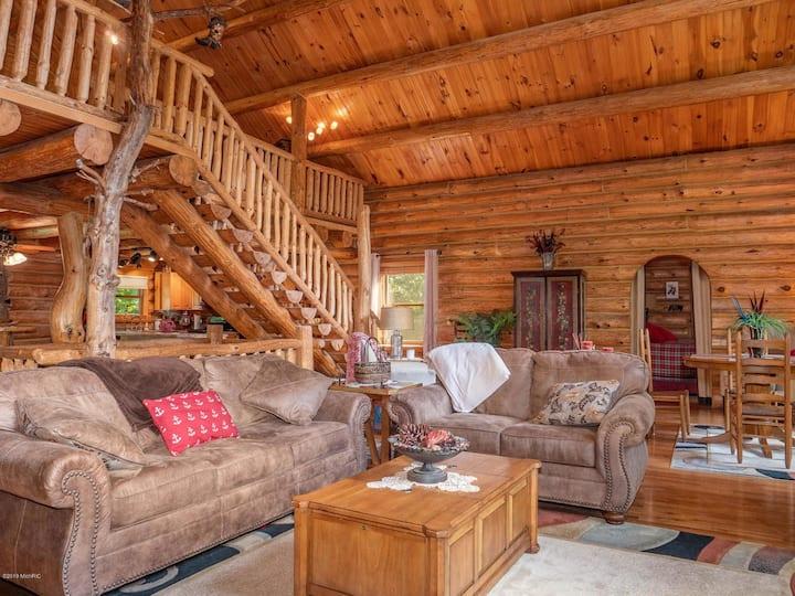 Luxury log cabin w/ access to Ford Lake! Sleep 14!