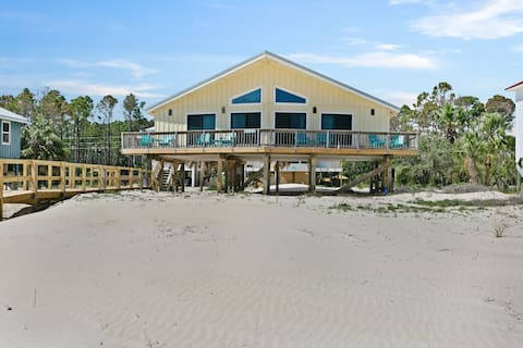 Dog-friendly, beachfront home w/ panoramic ocean views from the sundeck