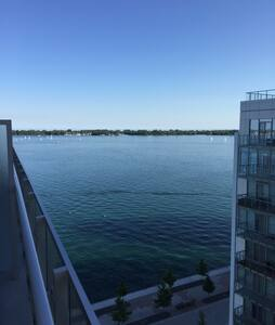 Beautiful room with lake view! - Toronto - Apartment