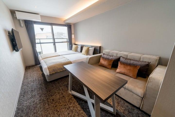 Airbnb限定6泊以上格安プラン!三条京阪すぐ!Youtube&Netflix視聴可♪