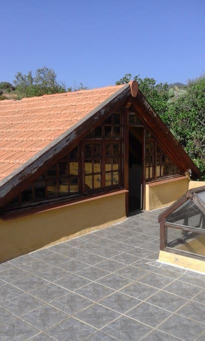 Studio hinten und Terrasse