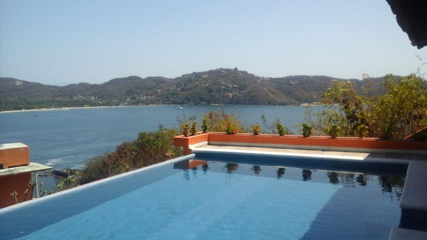The Best View of Zihuatanejo - Zihuatanejo - House