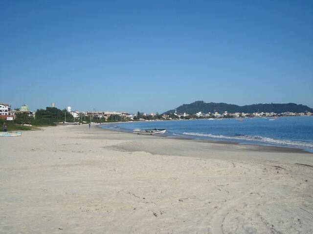 Vista panoramica da praia.
