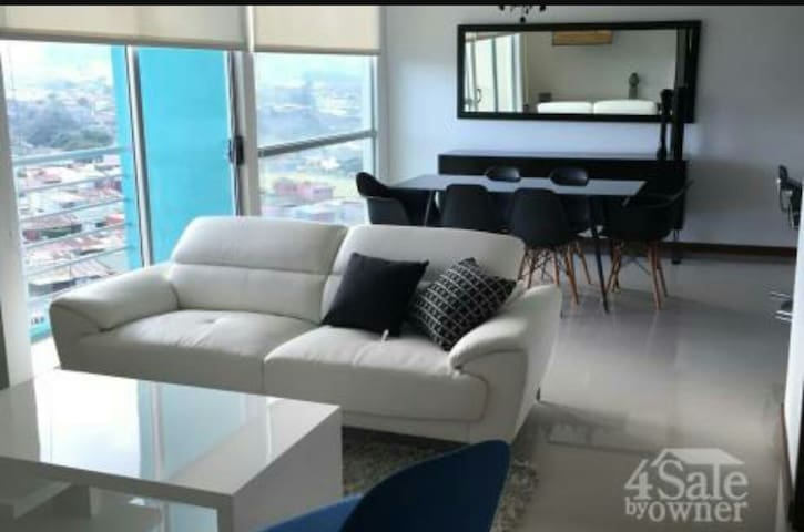 Penthouse View of the City+Parking - San José - Apartamento