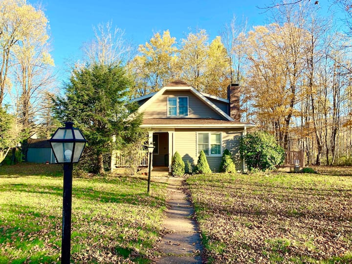 Private Country Home, Walk to Hunter Mountain!