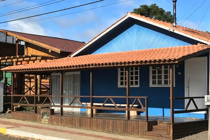 Casa em frente à praça principal de Urupema - SC