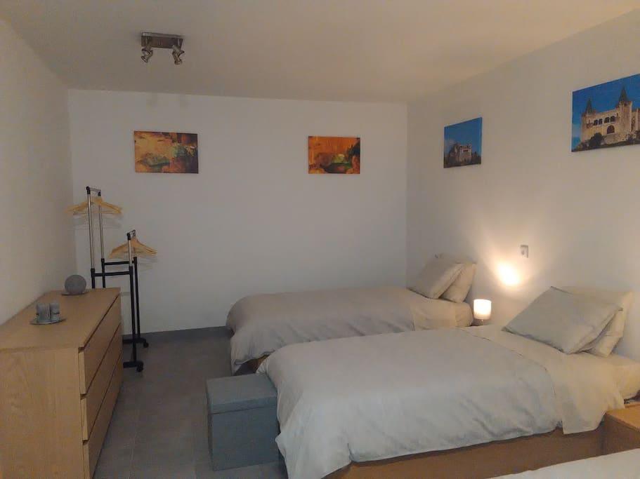 Espaço comum/camas individuais