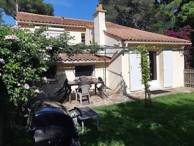 rez de villa indépendant bord de mer à St Raphaël