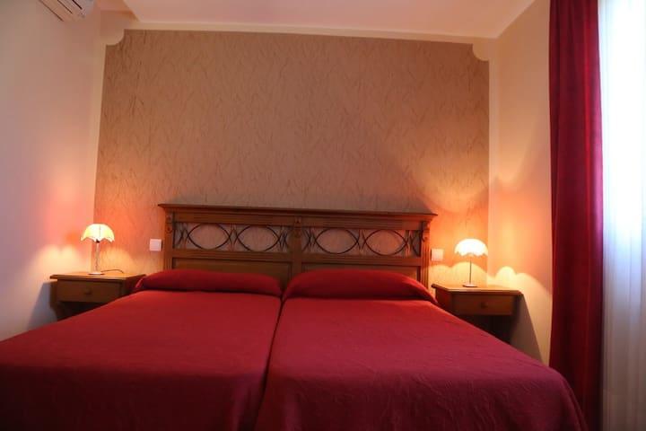 Habitación Doble en Colungo - Colungo - Apartmen