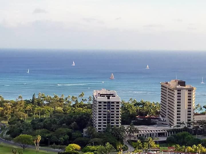 38th floor Waikiki condo for 2 - amazing views