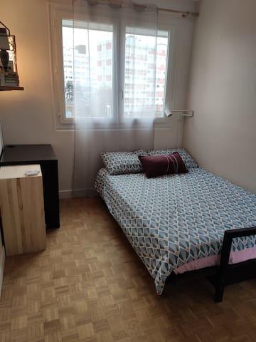 Chambre dans un bel appartement à Montrouge