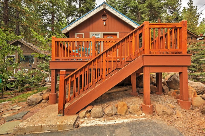 Bright Kings Beach Home w/ Deck; Walk to Lakefront