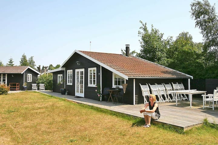 Beautiful Holiday Home in Væggerløse near Sea