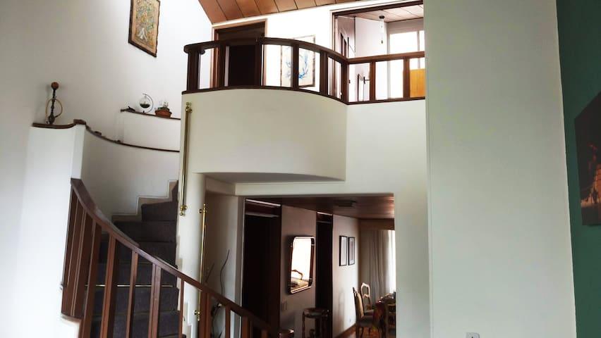 Agradable y amplio piso completo Calle 100