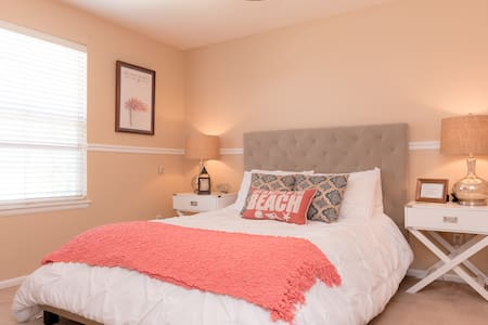 Luxury Comfy, Newly Decorated Suite - Parker