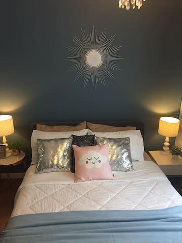 Nice & cozy room free wifi & pocket wifi