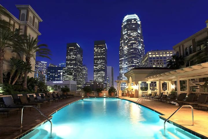 ❤☺DTLA whole 2b2b apartment- free parking